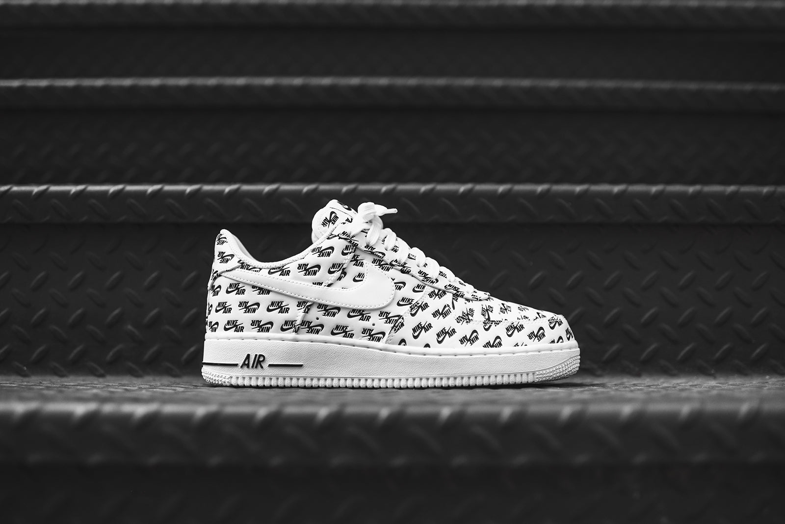 Nike Air Force 1 Noir 424