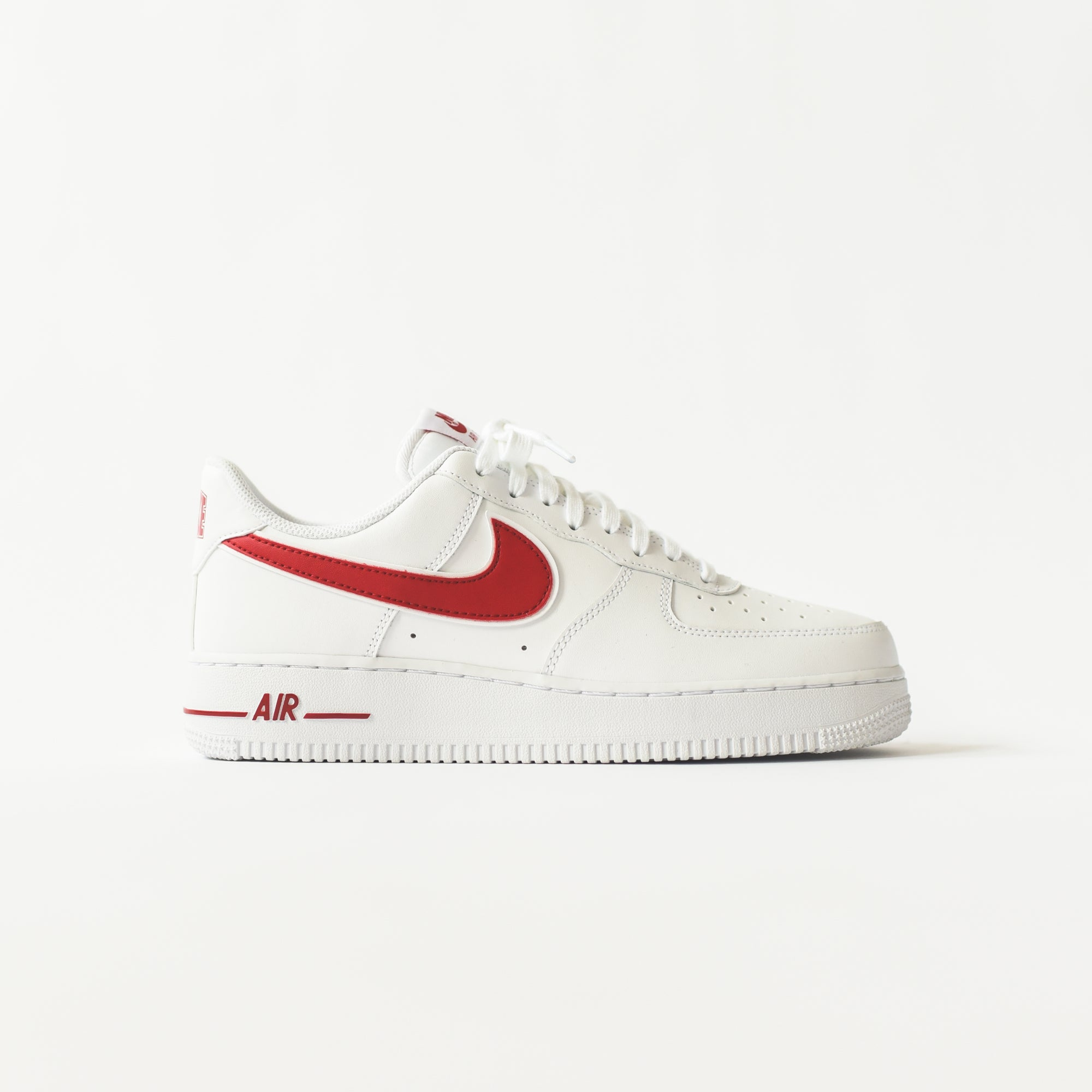 big sale 96fb5 1a74c Nike Air Force 1  07 3. White   Gym Red