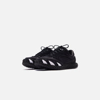Y-3 Runner 4D - Black / Footwear White Thumbnail 1