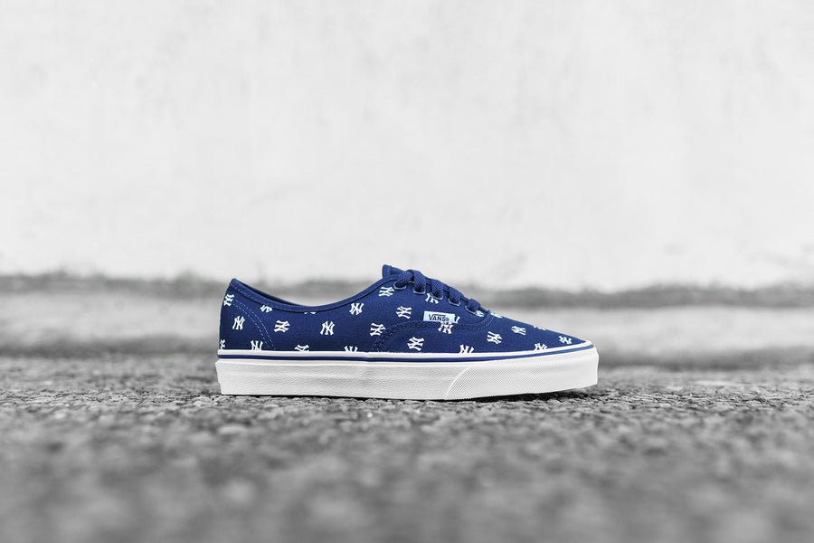 Vans x New York Yankees Authentic - Navy / White