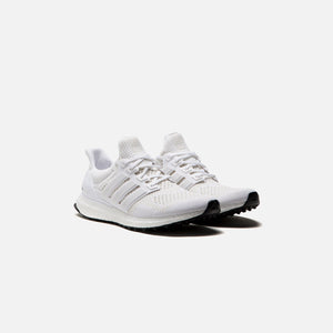 adidas UltraBoost - Triple White