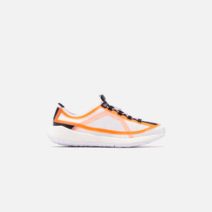 adidas by Stella McCartney WMNS PulseBOOST HD S. - White / Soft Orange Image 1