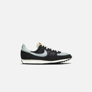 Nike Challenger OG - Light Silver/  Off Noir / Dark Smoke Grey / Sail