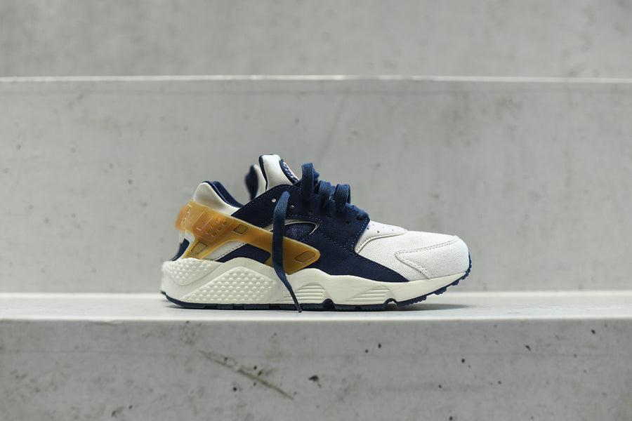 Nike Air Huarache - Sail Navy / Brown Pearl