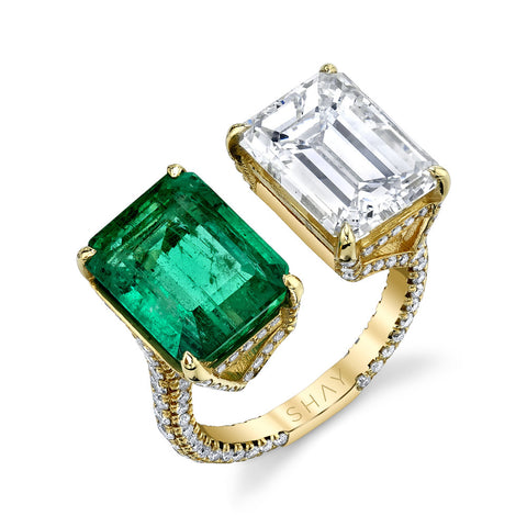 TWIN SOLITAIRE EMERALD & PEAR CUT DIAMOND RING
