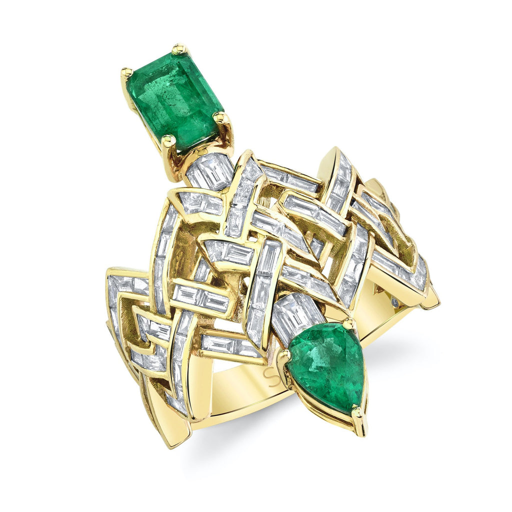 EMERALD & DIAMOND BAGUETTE DAGGER RING