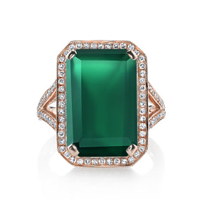 GREEN ONXY PORTRAIT GEMSTONE RING