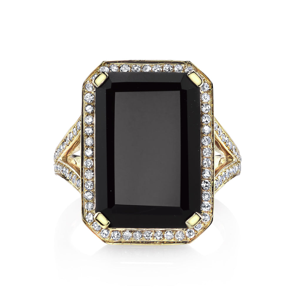 BLACK ONYX PORTRAIT RING