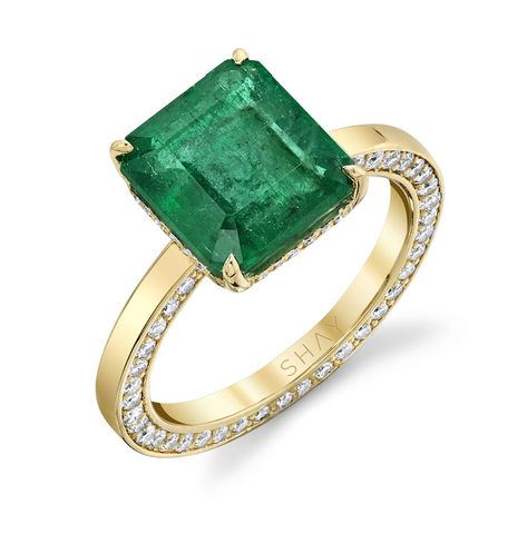 DIAMOND & EMERALD TWIN PEAR RING