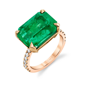 JUMBO EMERALD SOLITAIRE RING