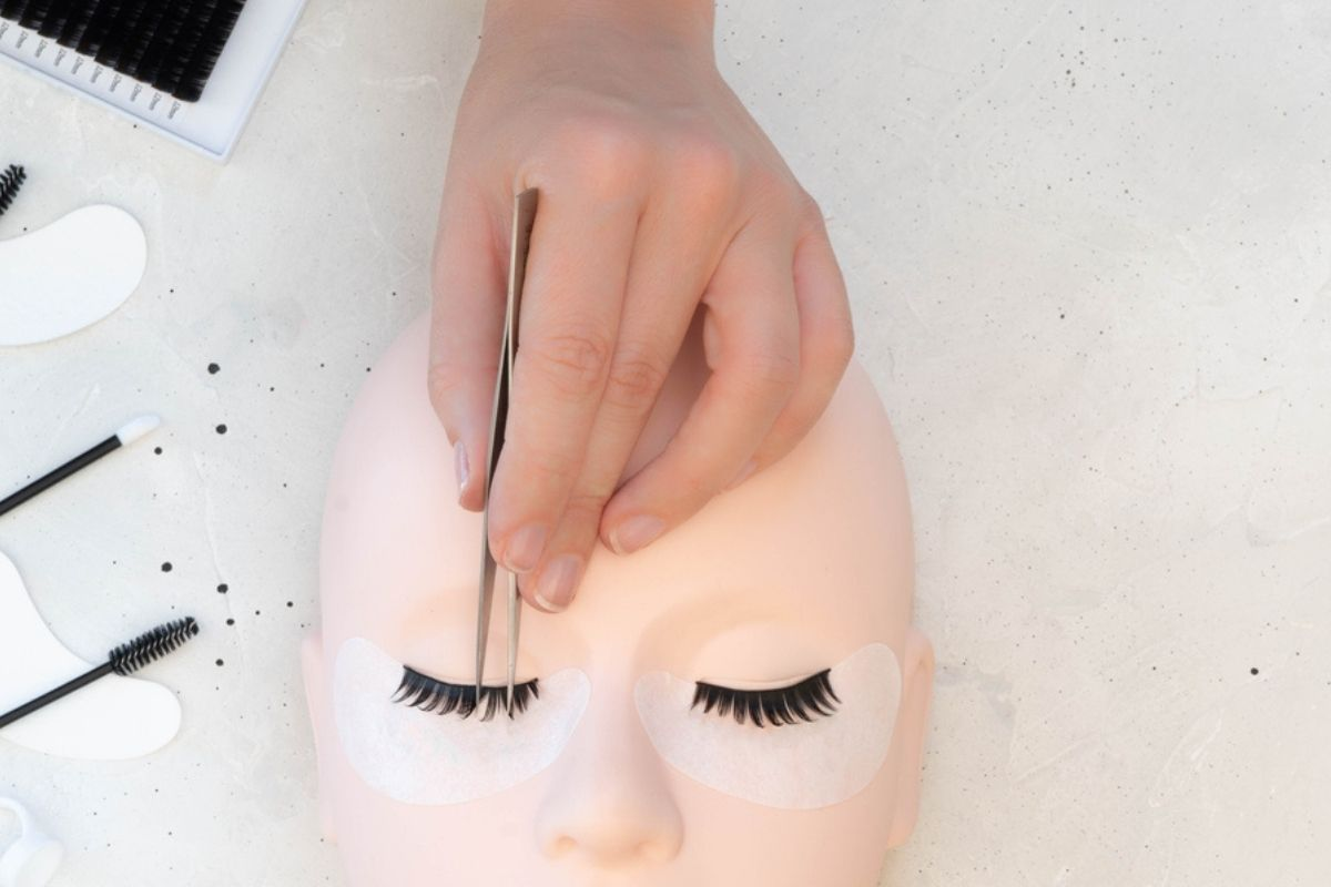 How to start a lash business - how to become a lash extension educator