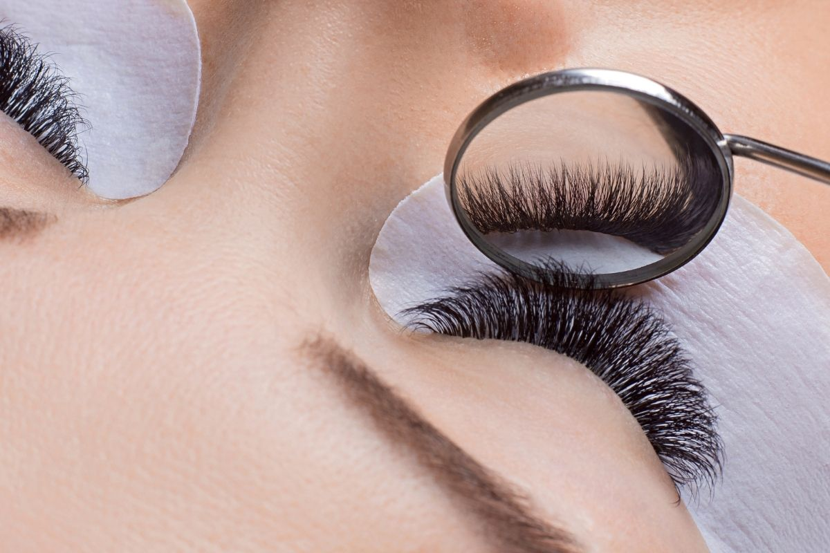 well isolated eyelash extension