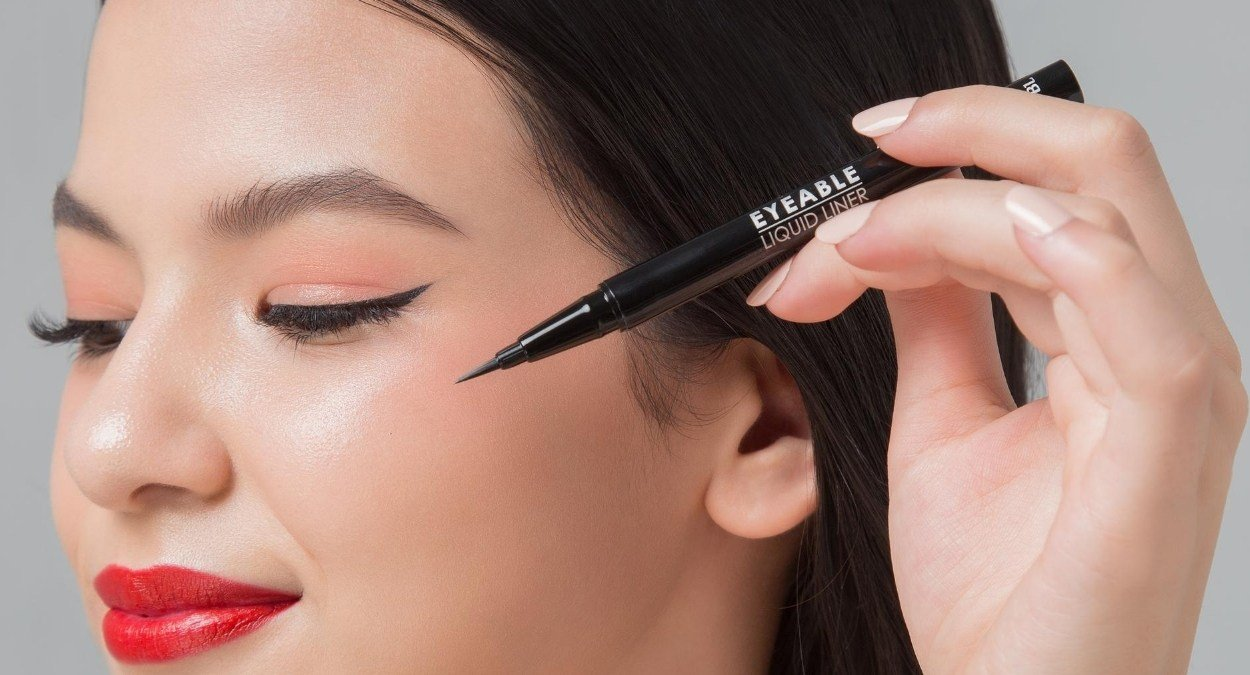 Is eyeliner safe to use with eyelash extensions?