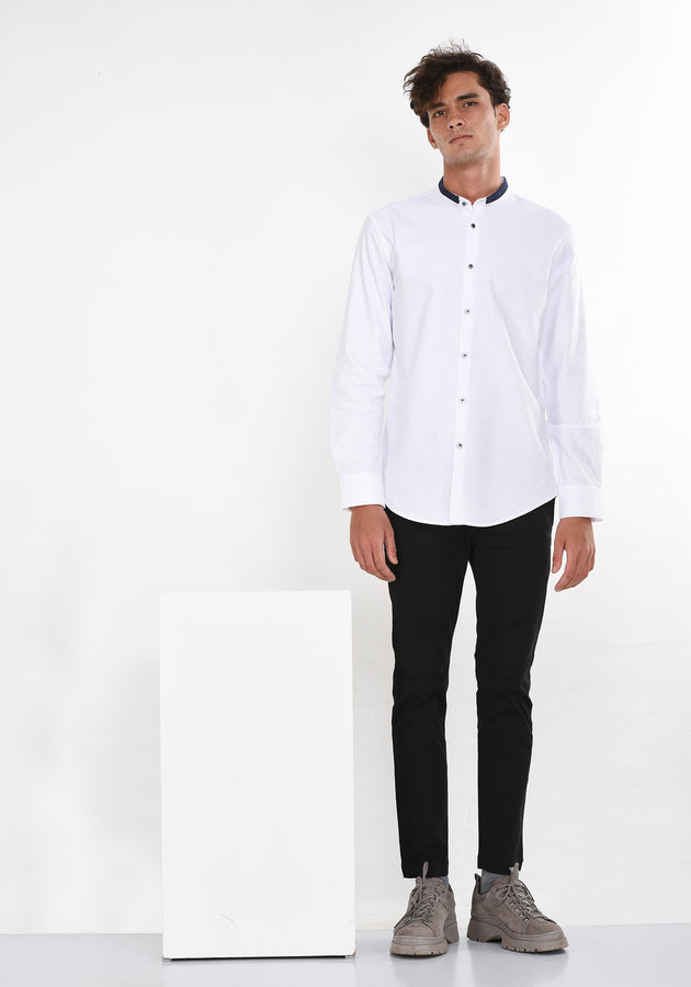 LONG SLEEVED OXFORD SHIRT WITH A DETAILED COLLAR - WHITE