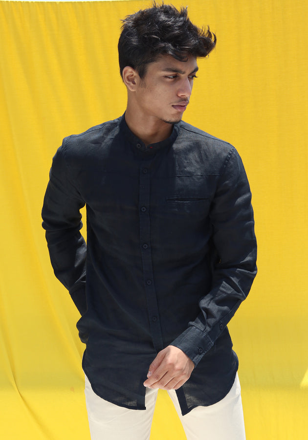LONG SLEEVED MANDARIN COLLAR LINEN SHIRT WITH A GROSGRAIN LOOP-BLACK