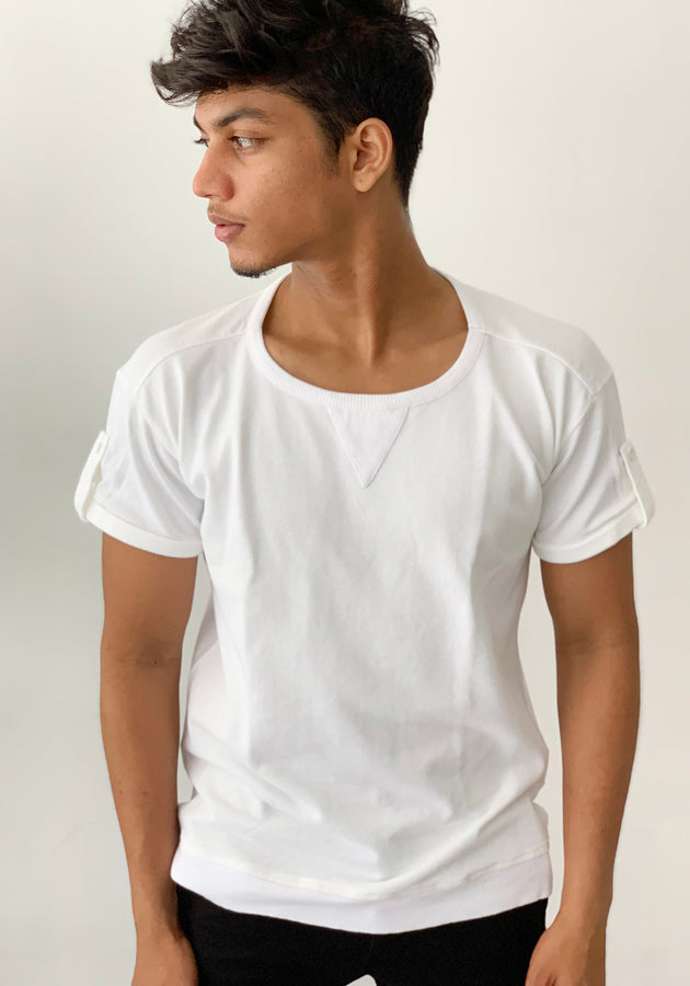 SHORT SLEEVED PIQUE CREW NECK T-SHIRT WITH SLEEVE TABS