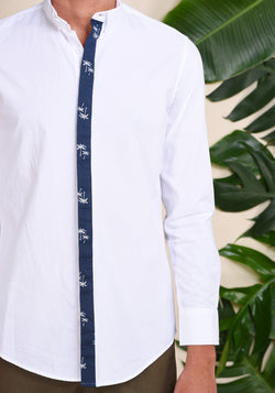 LONG SLEEVED SHIRT WITH A PRINTED HIDDEN PLACKET - WHITE