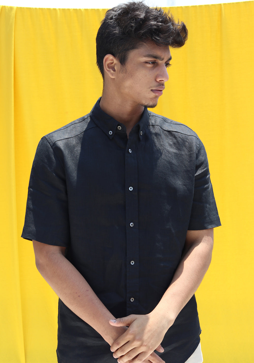 SHORT SLEEVED LINEN SHIRT-BLACK