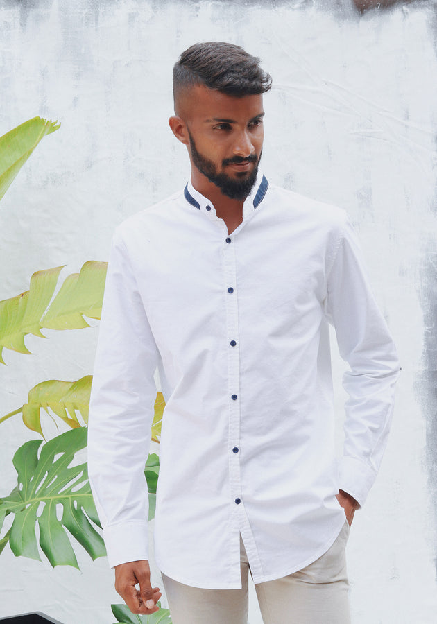 Long Sleeved Slim Fit shirt with Contrast button