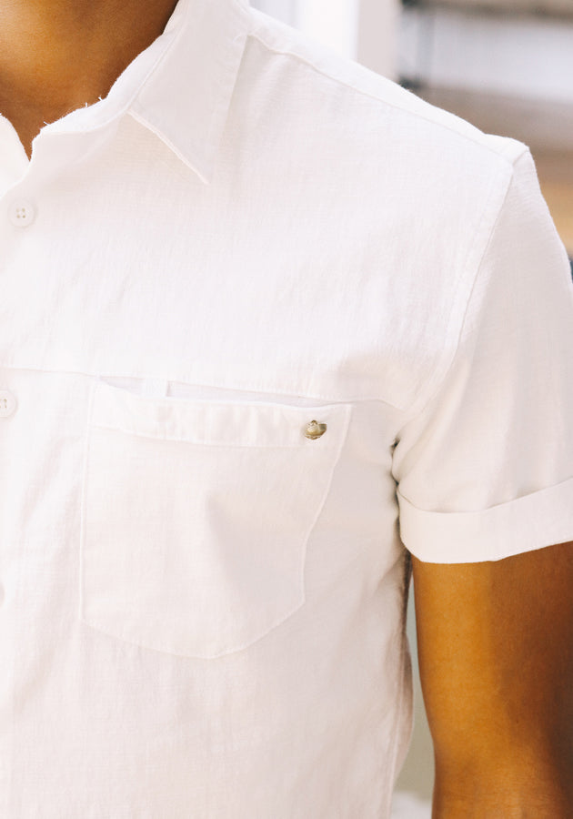 Short Sleeved shirt with skull button detail