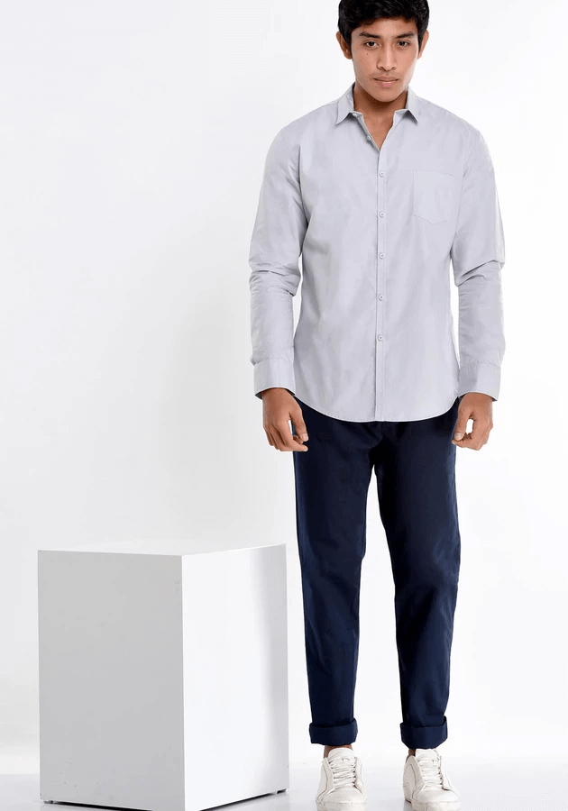 LONG SLEEVED SHIRT WITH A NARROW PLACKET