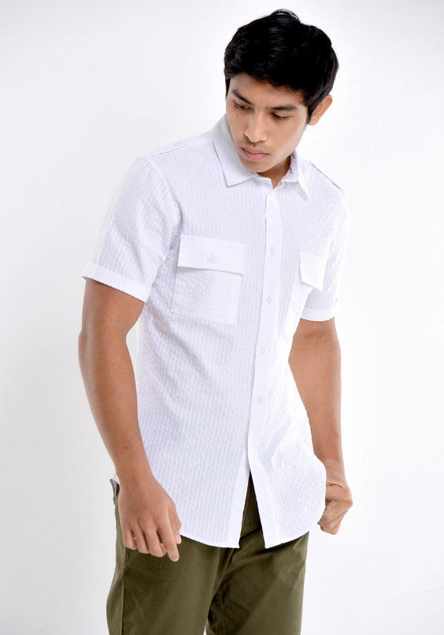 SHORT SLEEVED SHIRT WITH SHOULDER TABS
