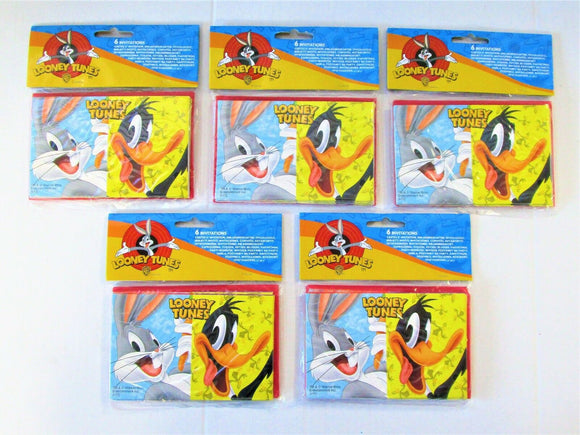 Pack of 30 Looney Tunes Invitations and Envelopes - Party Invites