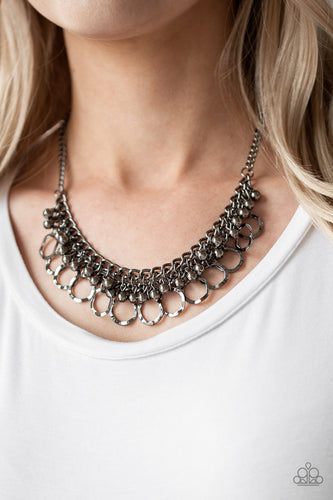 Paparazzi - Ring Leader Radiance Necklace - Black/Gunmetal