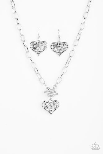 Paparazzi - Heart Touching Harmony Necklace - Silver