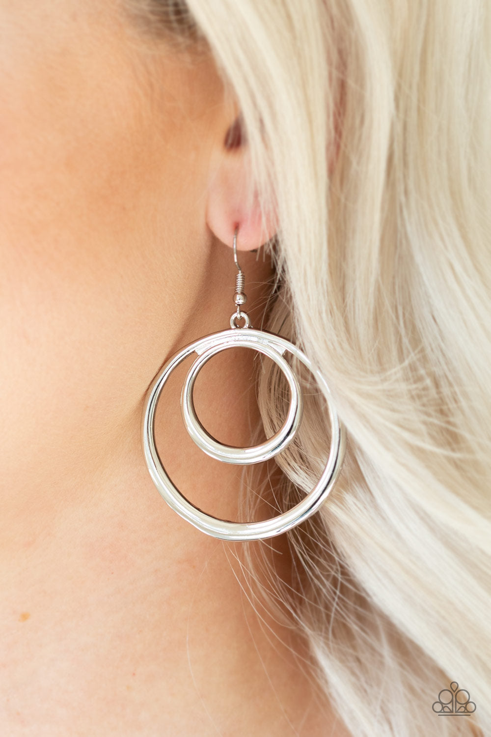 Paparazzi - Put Your SOL Into It Earrings - Silver