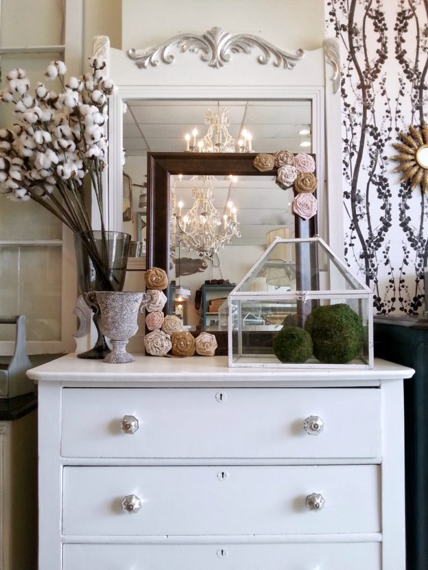WHITE DRESSER WITH VANITY MIRROR - SuitePieces