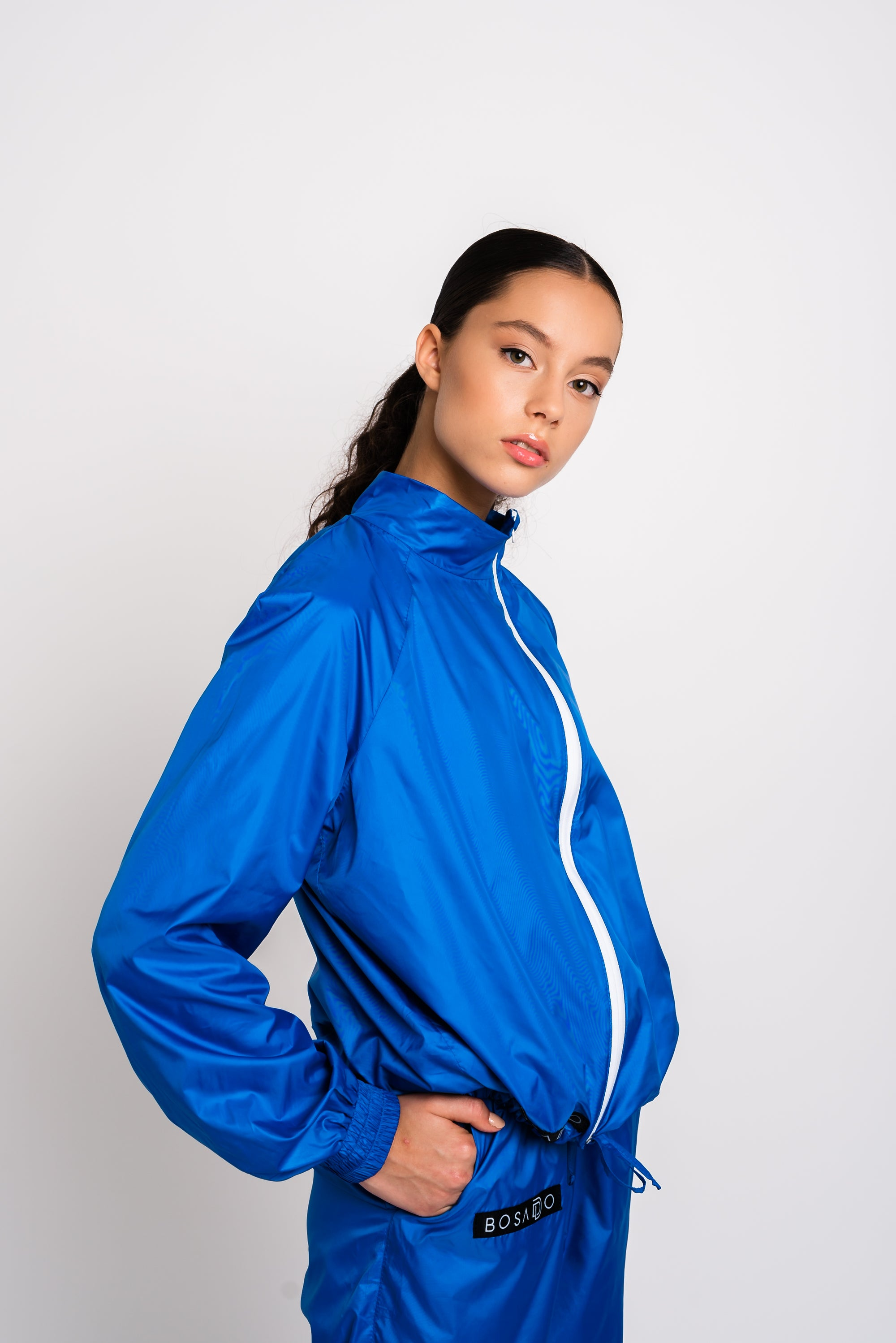 URBAN SWAN COLLECTION | Heat-retaining ocean blue color jacket