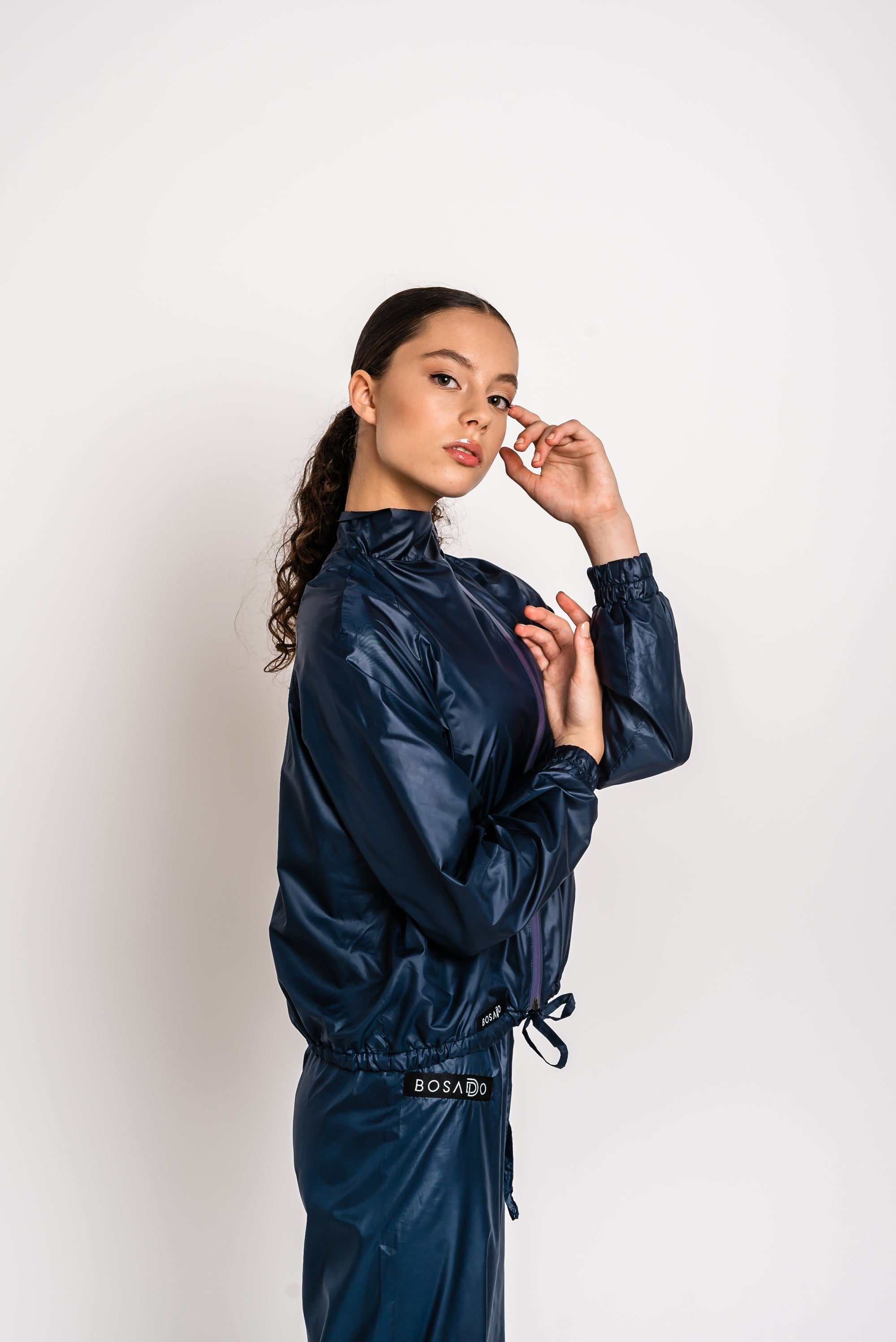 URBAN SWAN COLLECTION | Heat-retaining blueberry color jacket
