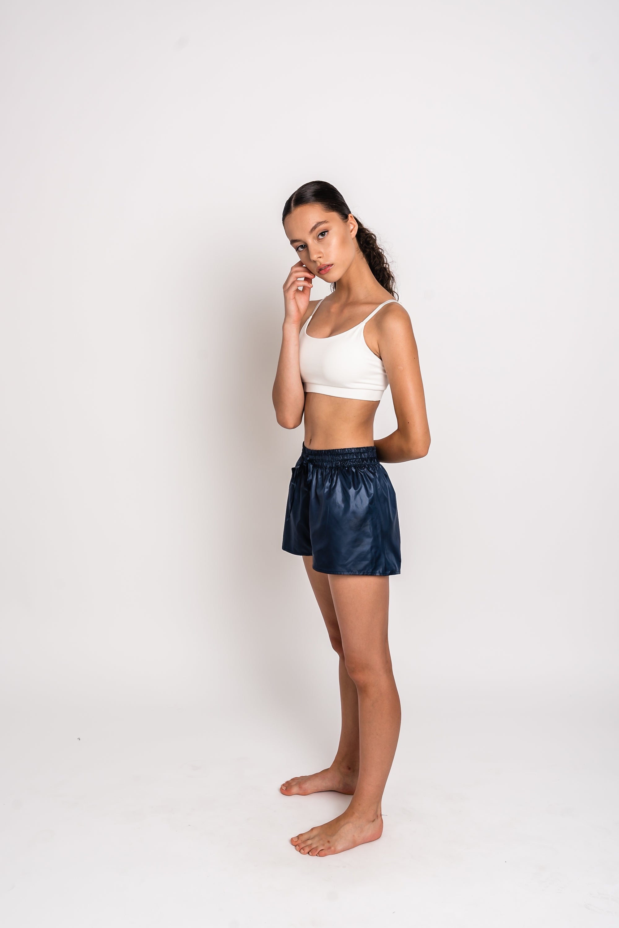 URBAN SWAN COLLECTION | Heat-retaining blueberry color shorts
