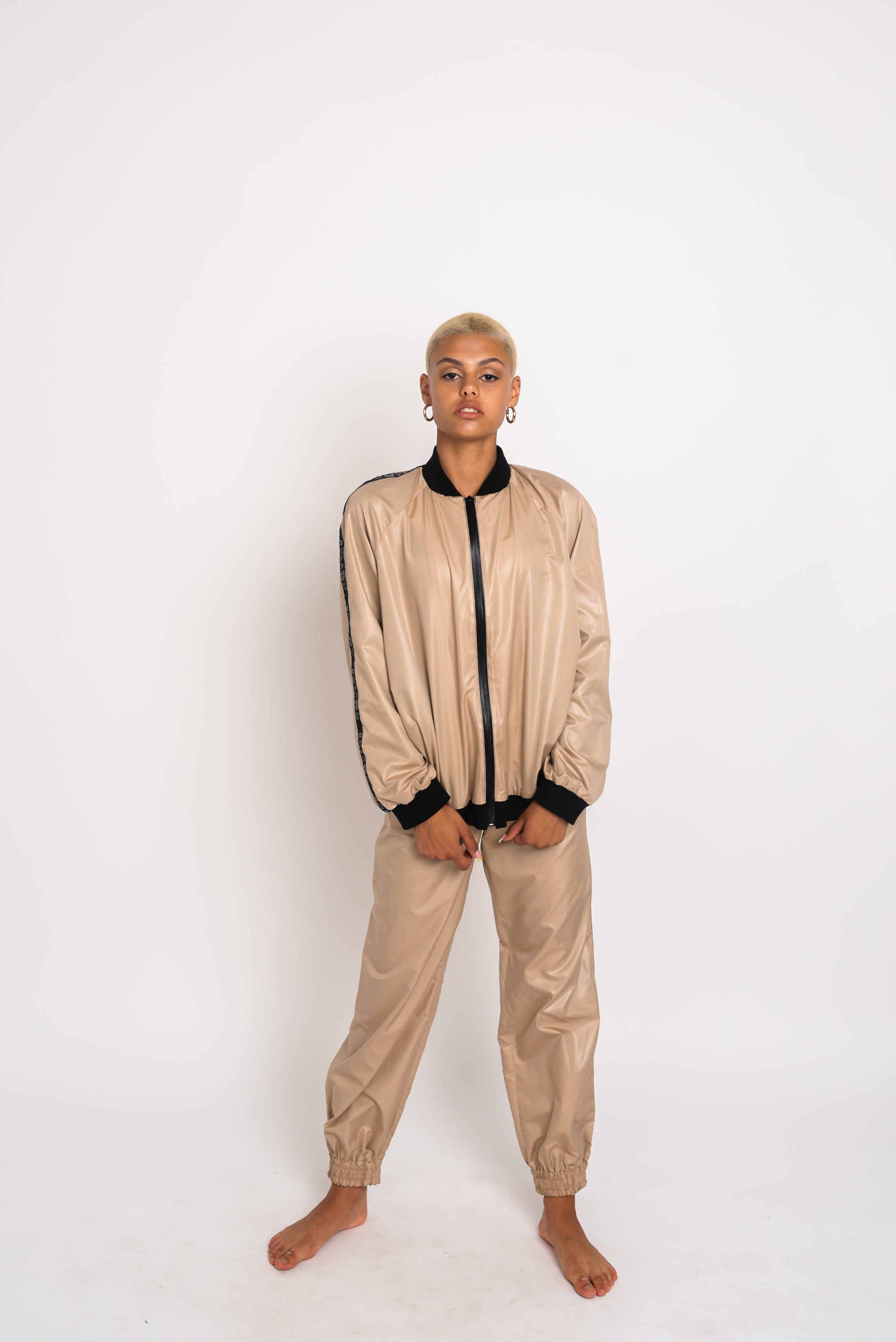 URBAN SWAN COLLECTION | Heat-retaining nude color jacket