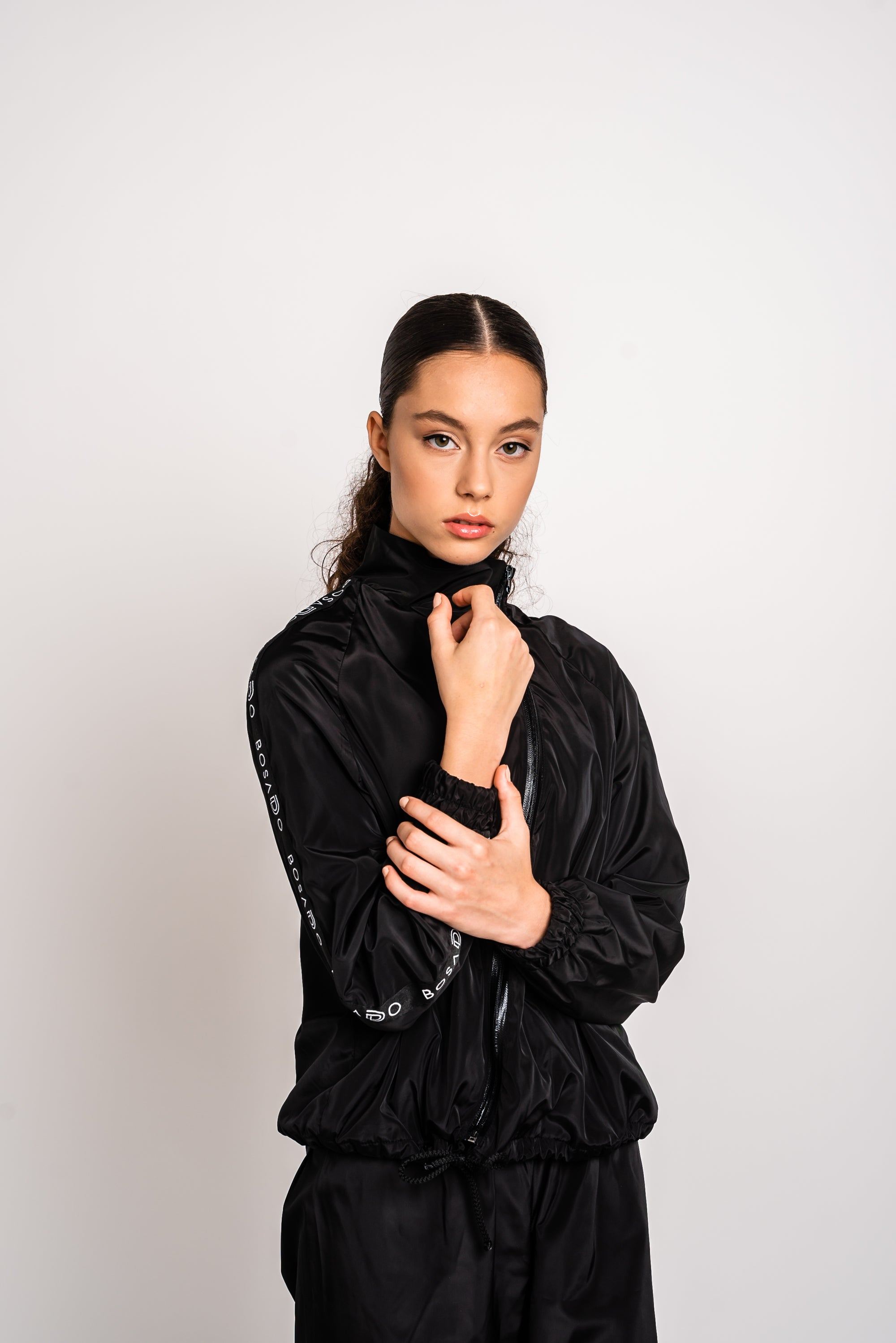 URBAN SWAN COLLECTION | Heat-retaining black jacket