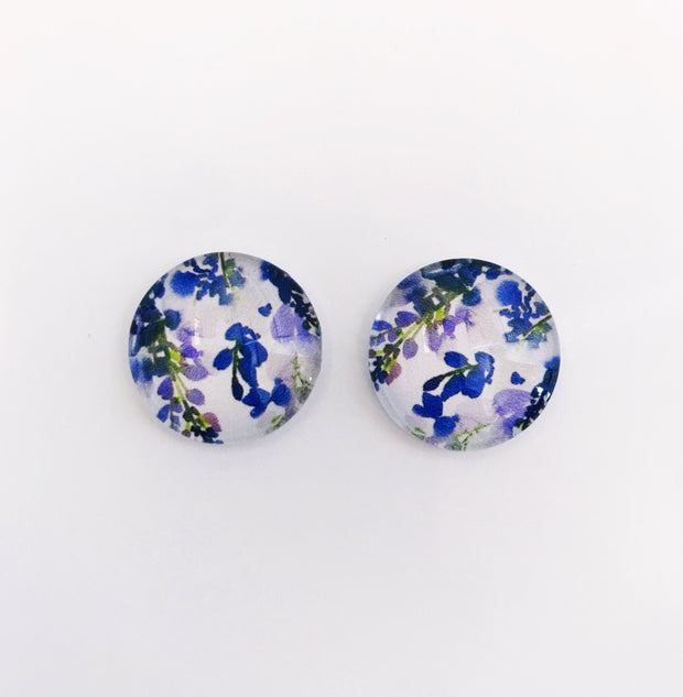 The 'Lavender Love' Glass Earring Studs