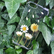 Load image into Gallery viewer, ' Daisies '🍃🌼iPhone flower case
