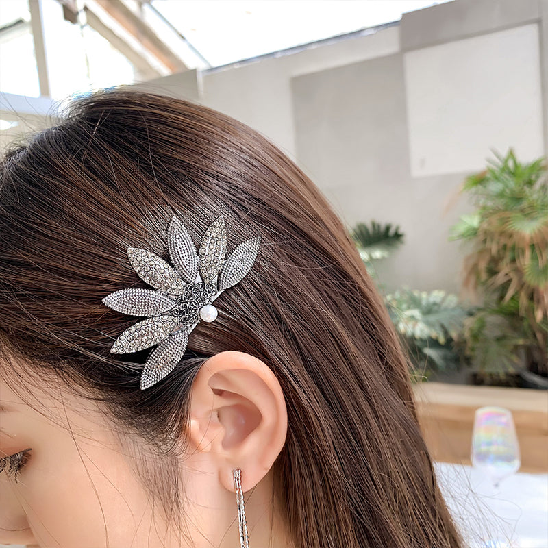 Ida Lotus Hair Barrette & Clip