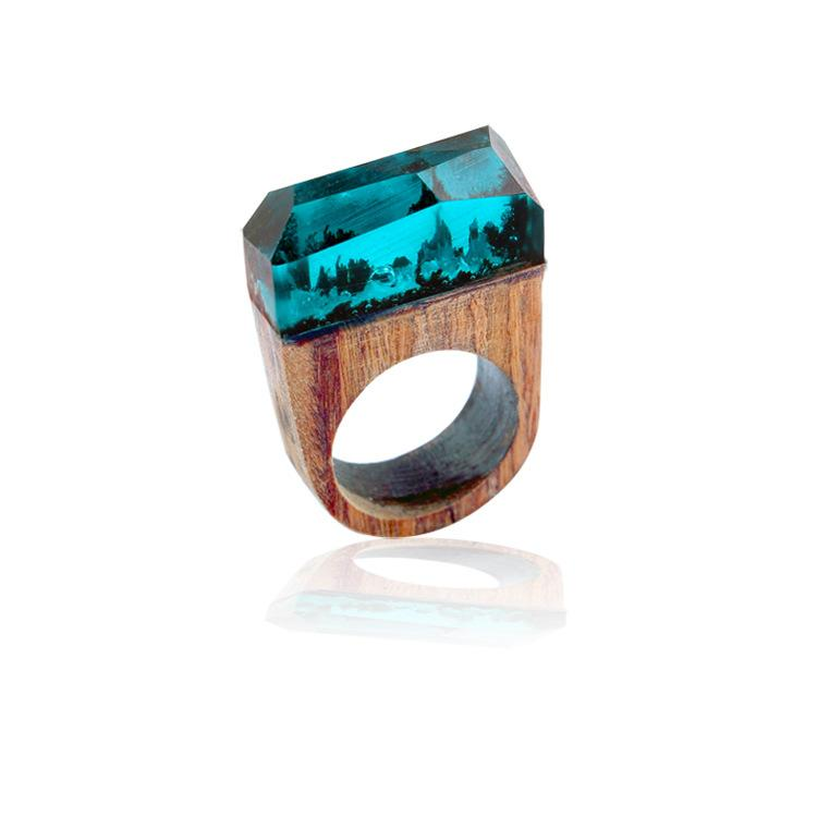 Under the sea enamel ring