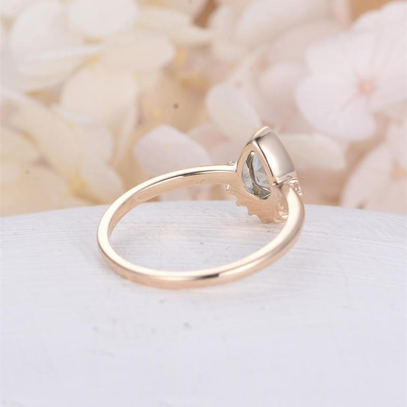Tear-shaped Wedding Ring