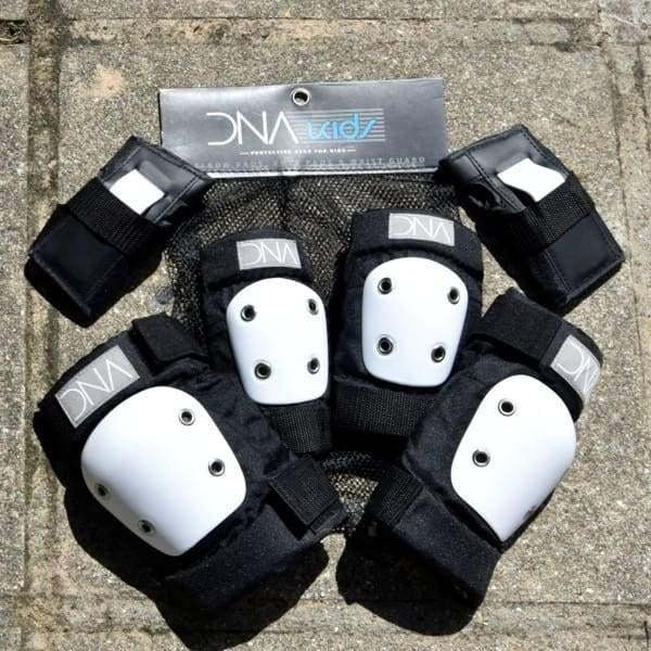 Dna Protection - Kids full Pad Set - Black - Fast Shipping