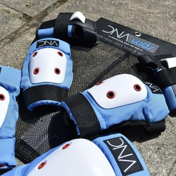 Dna Protection - Kids full Pad Set Blue - Fast Shipping