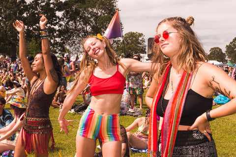How To Rock Your Wears To Rock Music Festivals: 10 ESSENTIAL STYLE TIPS For Rock Fest