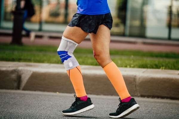 Knee-compression-sleeve-running
