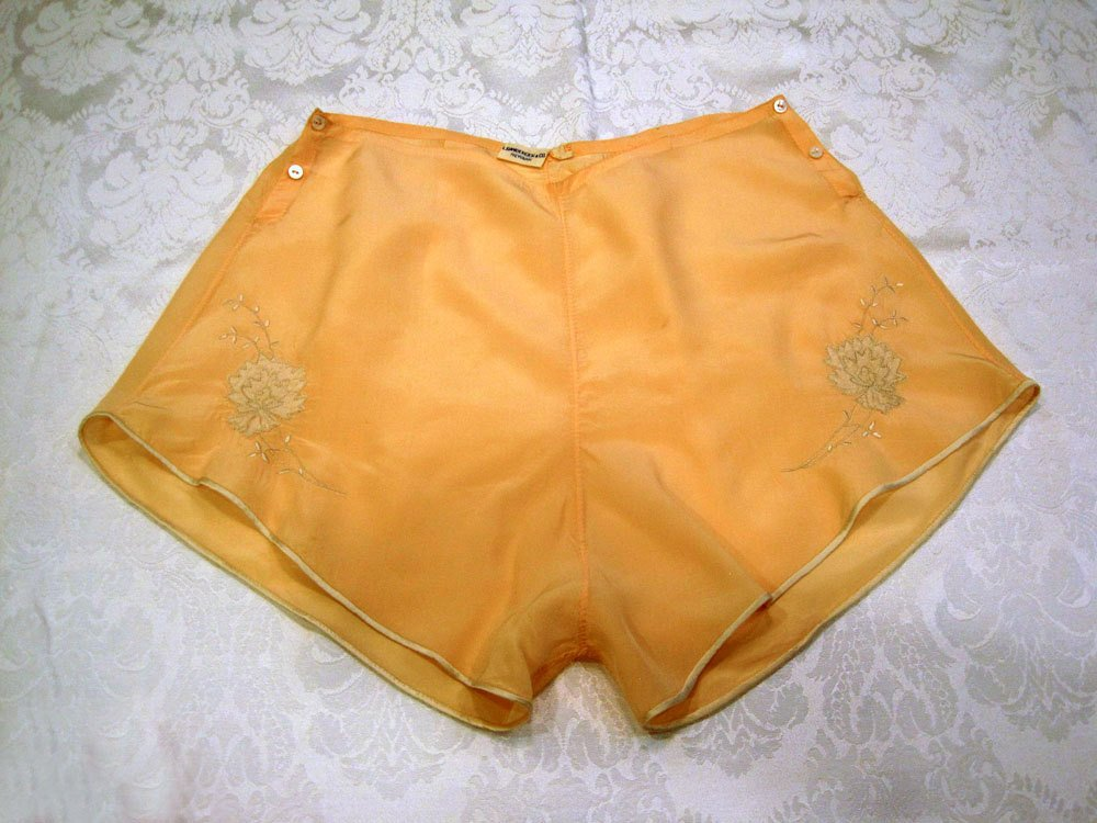 1940s Silk Panties Peach & Cream Tap Pants Bambergers Lingerie