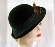 Load image into Gallery viewer, 1940s Tilt Hat Knox Dark Green Velour Tilt Hat 21""