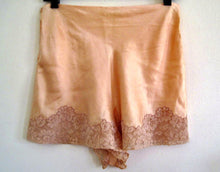 Load image into Gallery viewer, 1920s Flapper Lingerie Peach Satin Silk Tap Pants Alencon Lace