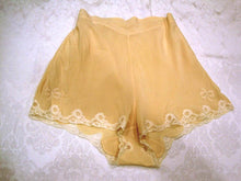 Load image into Gallery viewer, 1930s Lingerie Beige Silk Tap Pants Panties Bow Appliques