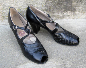 1930s Enna Jettick Peep Toe Mary Jane Shoes